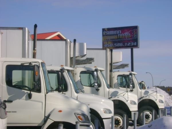 Camion auto 123 Lavaltrie contacter nous.jpg